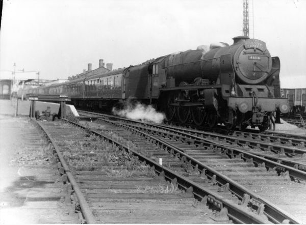 "46116 ""Ulster Express"" diverted"