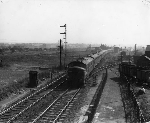 10000 with express heads towards Wolverhampton 1957