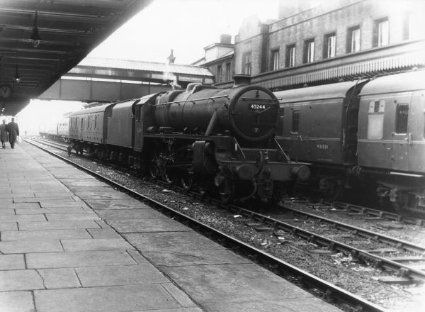 45244 Parcells train at Walsall 1958